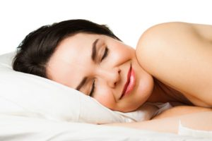 Woman sleeping soundly thanks to somnodent